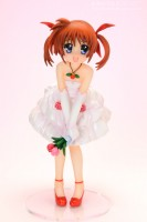 goodie - Nanoha Takamachi - Ver. Dress - Kotobukiya