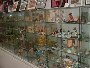 Ciné Shopping, vente de produits manga, posters ou figurines mangas, X men,
